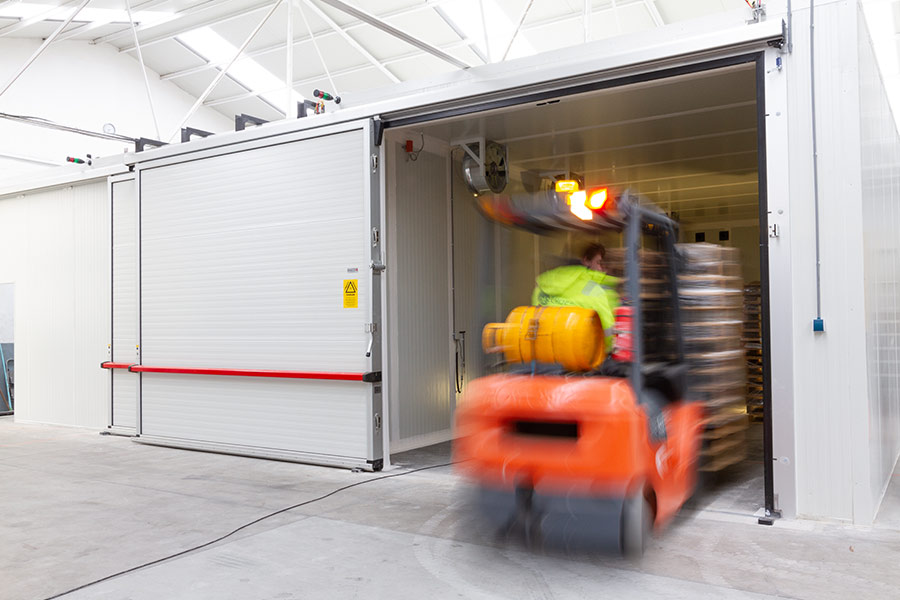 Driving goods in heat treatment chamber